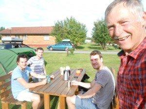 Sven, Joris en Rob uit Reijmerstok op bezoek in Alta